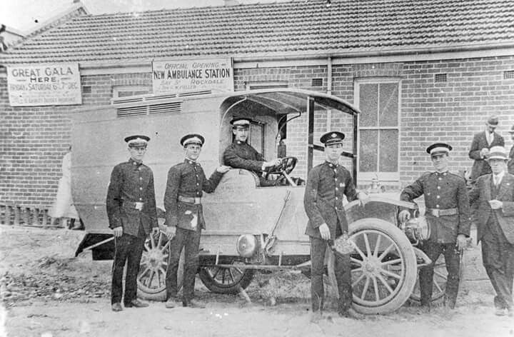 Officers in front of St George Ambulance Station at Rockdale in 1918.The first motor ambulance was introduced to NSW Ambulance.Photo from Rockdale Library.A♥W