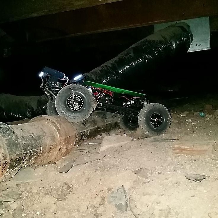 The BIGCrawler hard at work no plumbing pipe can stop these Pitbull tires. #homeinspector #homeinspection #realestate #RE #realtor #centralvalleyrealestate #cvar #drones #drone #axial #BIGcrawler #axialracing #rc #crawlspace #fpv #fpvracing #3d #3dprinted #3dprinting #rccrawler