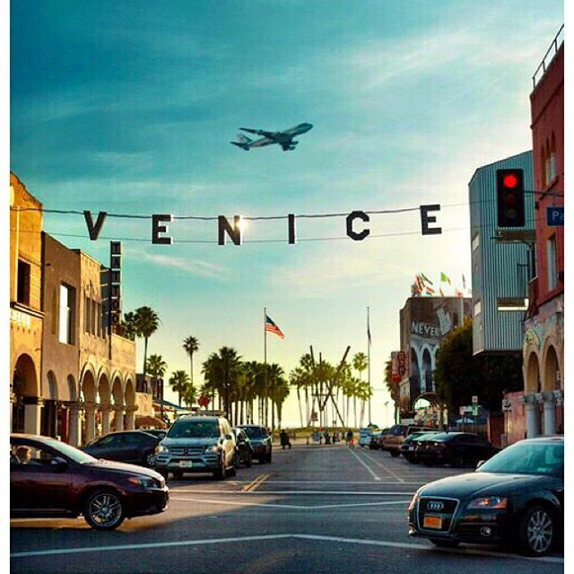 how to get from los angeles airport to venice beach