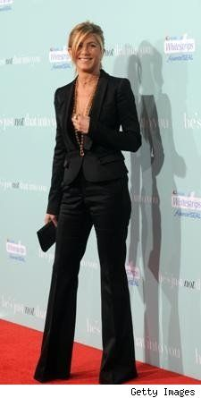 Jennifer Aniston: Jennifer Aniston, Jennifer Anniston, All Black, Cute Outfits, Style Icons, Black Suits, Pants Suits, Black Pants, Chicken Potatoes