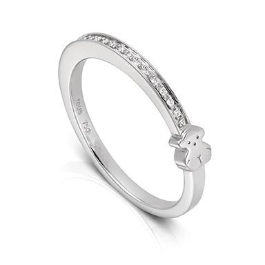 18kt white gold and Diamond TOUS Puppies ring. Total carat weight 0.05ct.TOUS Washington DC