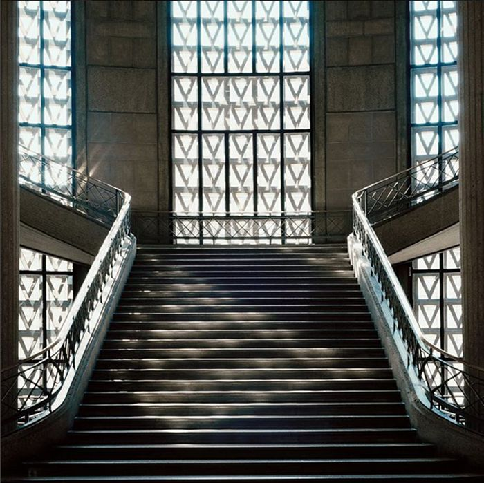Tour d'horizon des 20 escaliers les plus étonnants dénichés aux quatre coins du monde / Photo Palais d'Iena, Auguste Perret, Paris.