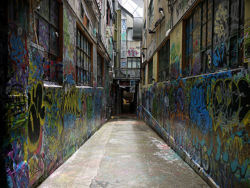 Wellington: graffiti and alley way