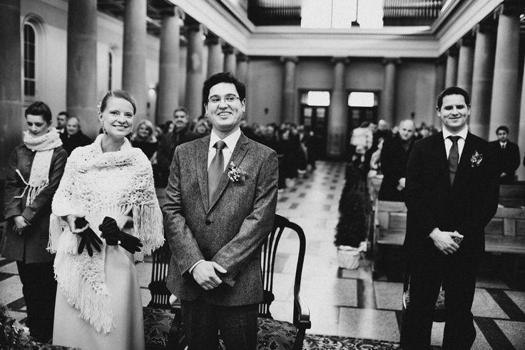 Pozytywna, uśmiechnięta Para Młoda podczas ślubu w kościele Dominikanów w Poznaniu. #dominikanie #ślub #poznań
