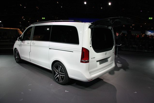 Luxery Mercedes Benz mini vans | The Mercedes-Benz V-Class Is A Luxury Minivan You Might Actually Like