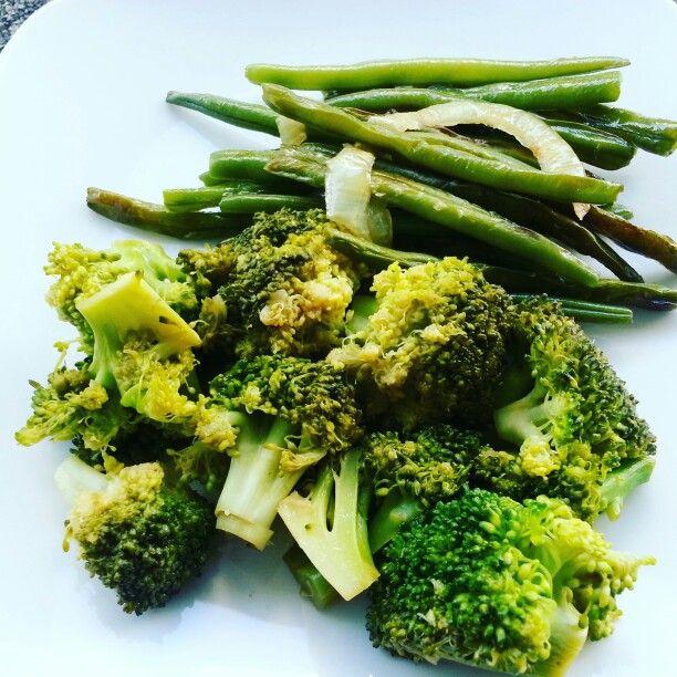 Gesauteerde broccoli en bonen. Zie recept op woweten.nl
