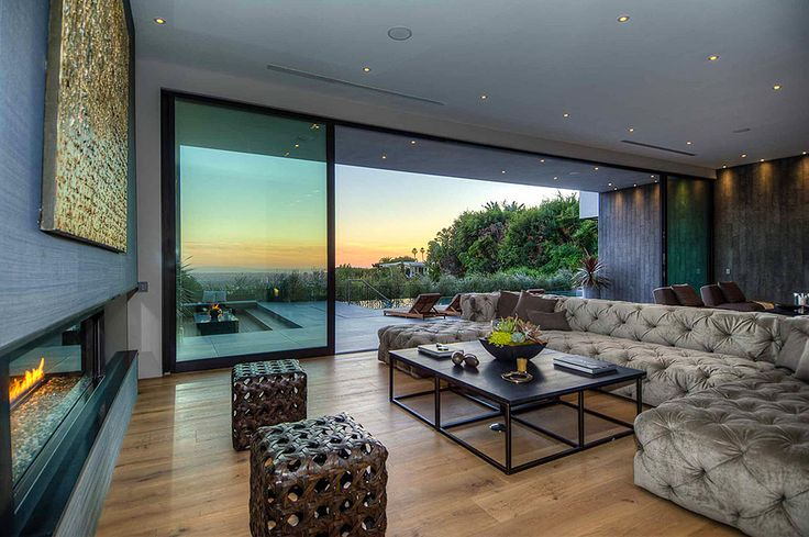 Private House With a Stylish Interior in L.A. and a Breathtaking View Over the City - http://freshome.com/2013/05/22/private-house-with-a-stylish-interior-in-l-a-and-a-breathtaking-view-over-the-city/