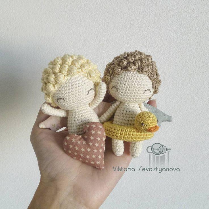 Дружбаны! #хобби #хендмейд #рукоделие #ручнаяработа #вязание #вяжутнетолькобабушки #вязаниекрючком #вязаное #вязаноекрючком #вязаныезвери #вязаныеигрушки #вязаныекуклы #лягушка #ангел #ангелочек #hobby #handmade #crochet #knit #yarn #knitting #frog #averse_toys