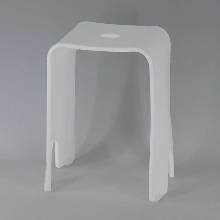vierkante vorm eenvoudig ontwerp met kleine witte badkamer plastic…