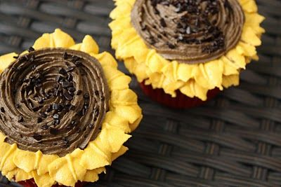 Sunflower CupcakesCupcakes Projects, Chocolate Cupcakes, Sweets Treats, Cake Ideas, Cake Decor, Bridal Shower, Sunflowers Cupcakes, Sunflowers Ideas, Cupcakescak Pop