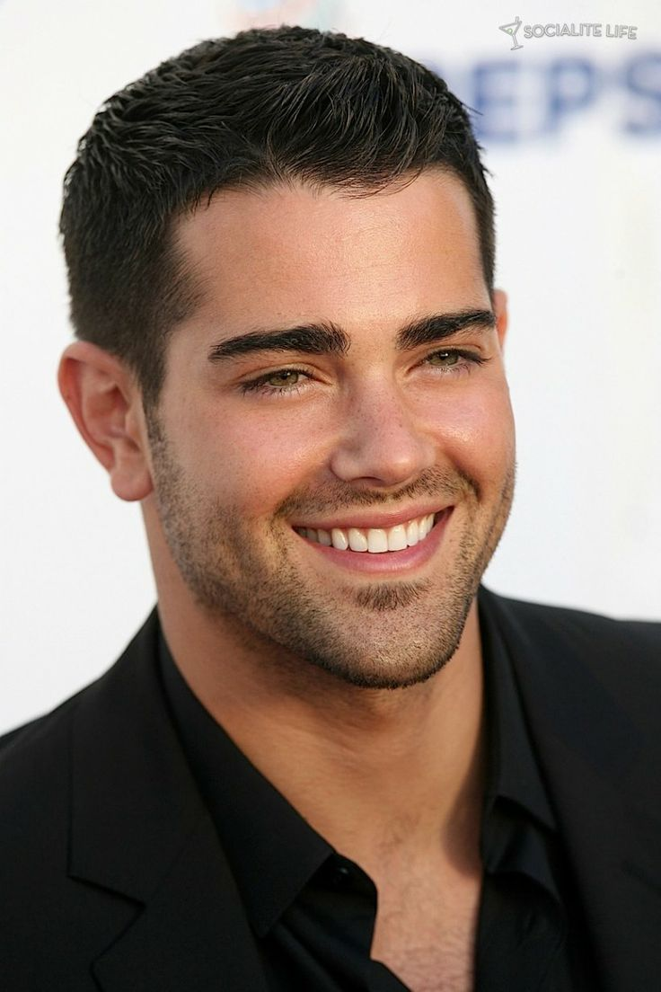 Jesse Metcalfe .. this man is just perfection .. I think I watched desperate housewives just to watch him