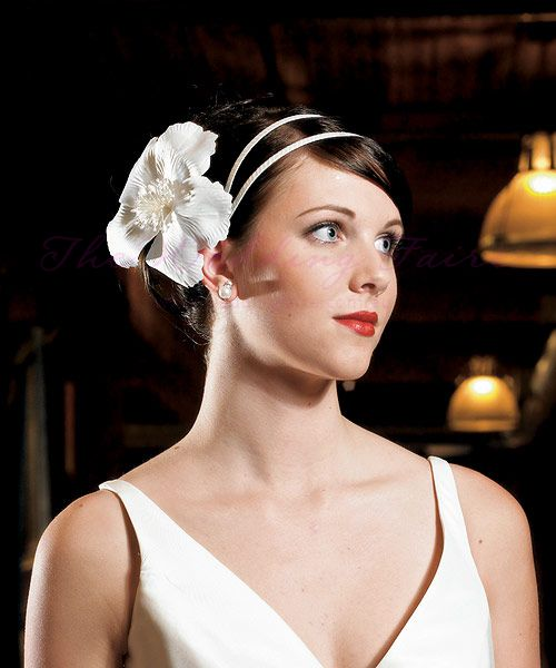 Single White Fantasy Bloom Floral Hair Accessory - The Wedding Faire