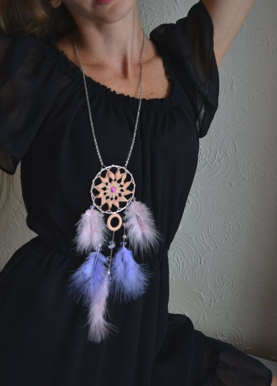 Crochet dream catcher necklace with pink and purple feathers, rose quartz gemstones, Coral cotton motif, Boho, Indian, Aztec pendant