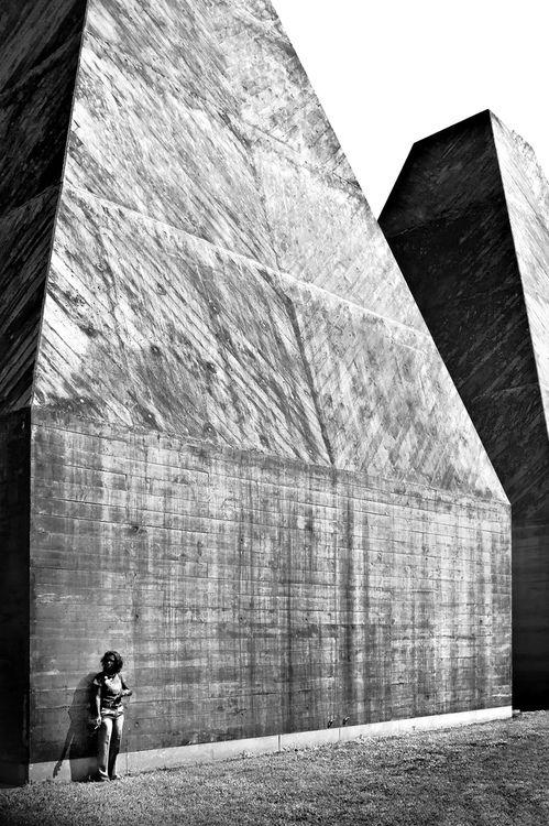 n-architektur:  Was Red by aqui-ali  Paula Rego Museum, Cascais, Eduardo Souto de Moura, 2009