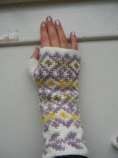 Fair Isle Crochet fingerless gloves - tutorial More
