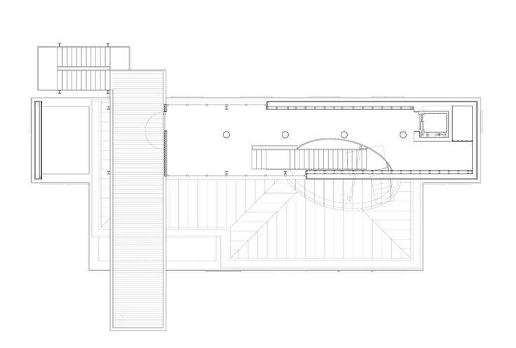 Il giovane architetto italiano si è occupato della ristrutturazione dell'ex scuola di Casso, danneggiata dal disastro del Vajont e adesso trasformata in un nuovo spazio espositivo affidato a Dolomiti Contemporanee.
