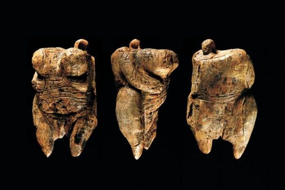 Oldest sculpture __ 10 Art Related World Records | bohemianizm
