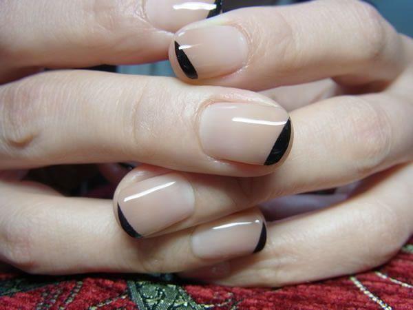 Nude + black manicure