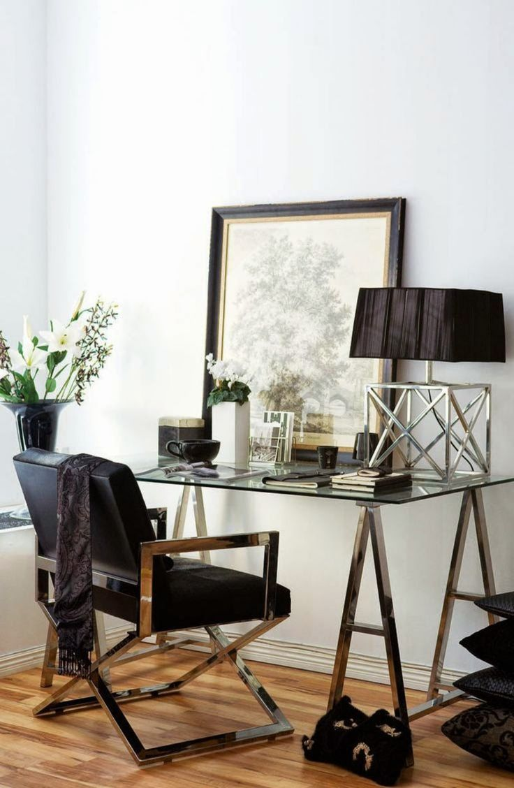 Sophistication plus! via studded-hearts #office #desk #sophisticated