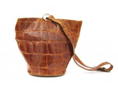 Original vintage bucket bag in brown crocodile leather, with shoulder strap