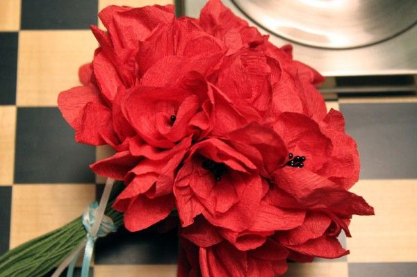 Paper poppies. Complete with picture instructions. Can't beat that for Valentine's, Mother's Day, Remembrance Day, etc....