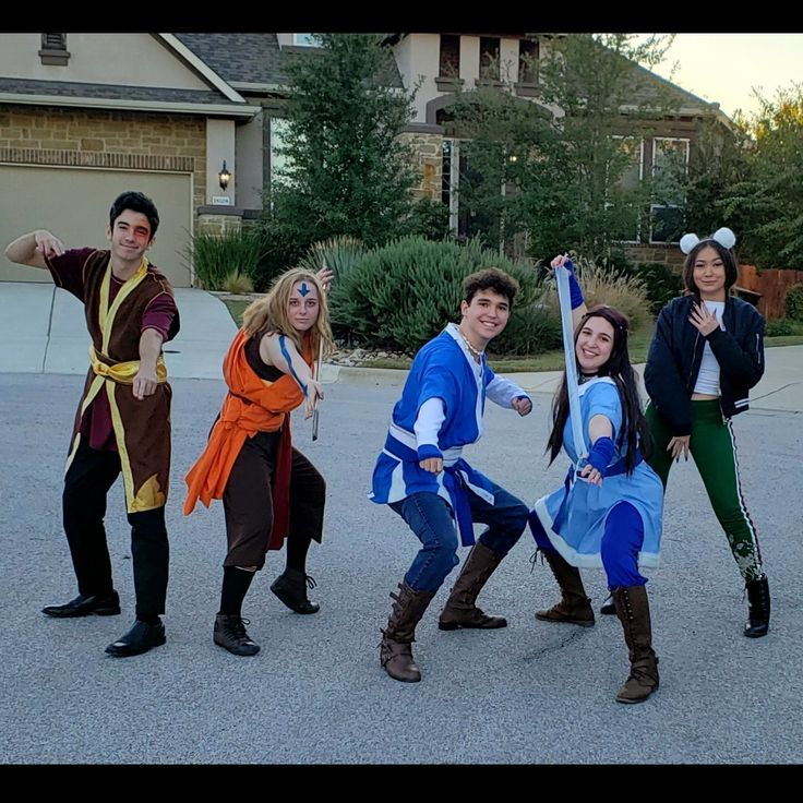 Happy Halloween from the Gaang! Aang and the avatar gang