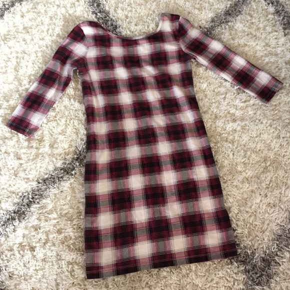 Forever 21 Flannel shirt dress WMNS Small Pre owned flannel shirt dress size Small. Only worn twice, still good condition. Pair these with leggings and boots for the spring! Forever 21 Tops