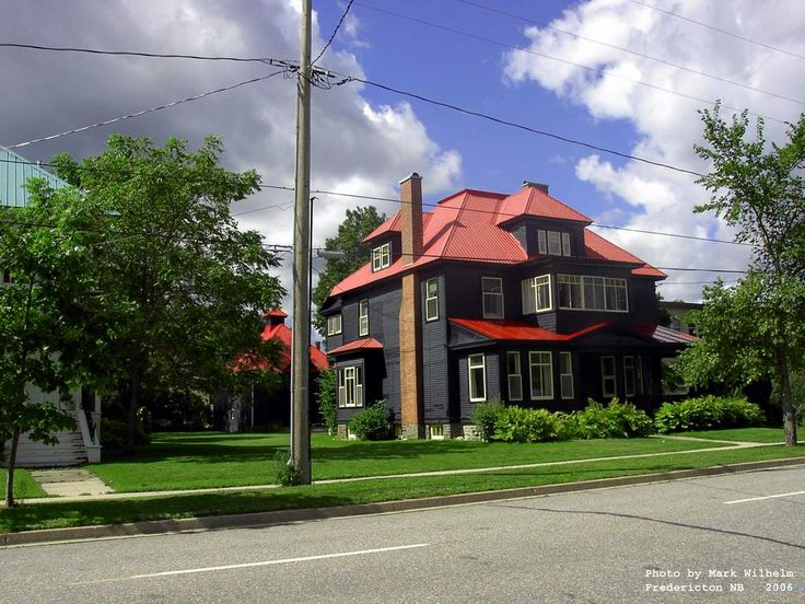 Best 17 Best Images About Black House Red Roof White Windows 400 x 300