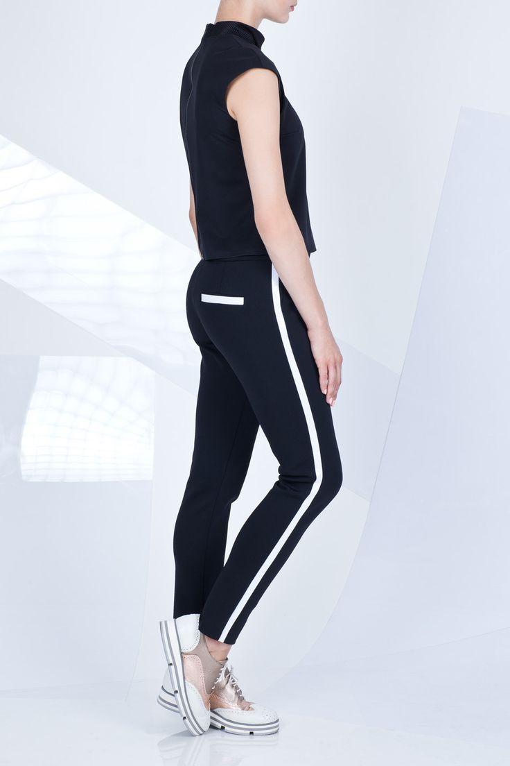 Total black set by RS #blackset #totalblack #black #pants #blouse #ranitasobanska #eshop #lookbook