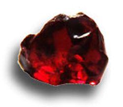 le grenat couleur rouge une pierre associée au chakra racine