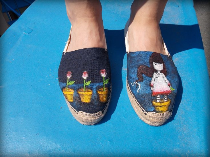 #HandPainted #Shoes #Watterproof  colors  #Gorjuss Theme Funky unique shoes & Perfect customized gift For orders&details please leave a message on Facebook Color MI