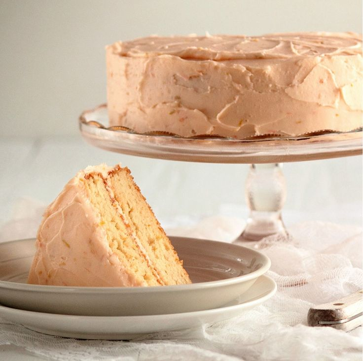 MMMMM I want this for my next birthday cake! Grapefruit Cake with Grapefruit Buttercream!!