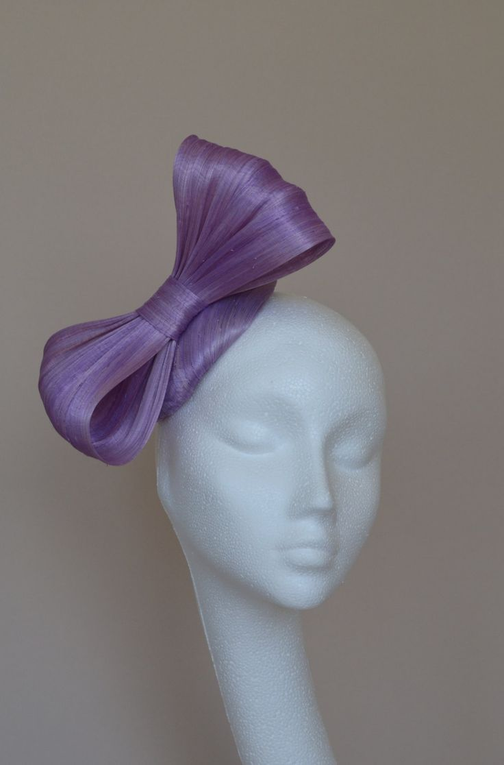 Purple fascinator. Lilac fascinator. Lilac bow silk hat. Small fascinator. Mini hat. Purple silk bow hat. Lilac wedding hat. Derby hat. by jaracedesigns on Etsy