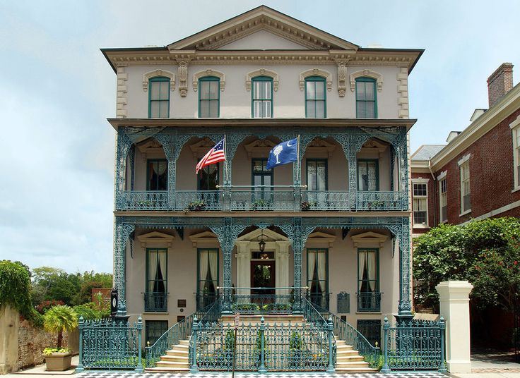 John Rutledge House Inn Charleston, South Carolina outdoor sky building landmark property house mansion classical architecture home Architecture facade Villa real estate historic house window residential area stately home Balcony column elevation official residence stone