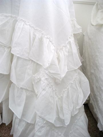 White Poplin Ruffled Layers Tablecloth