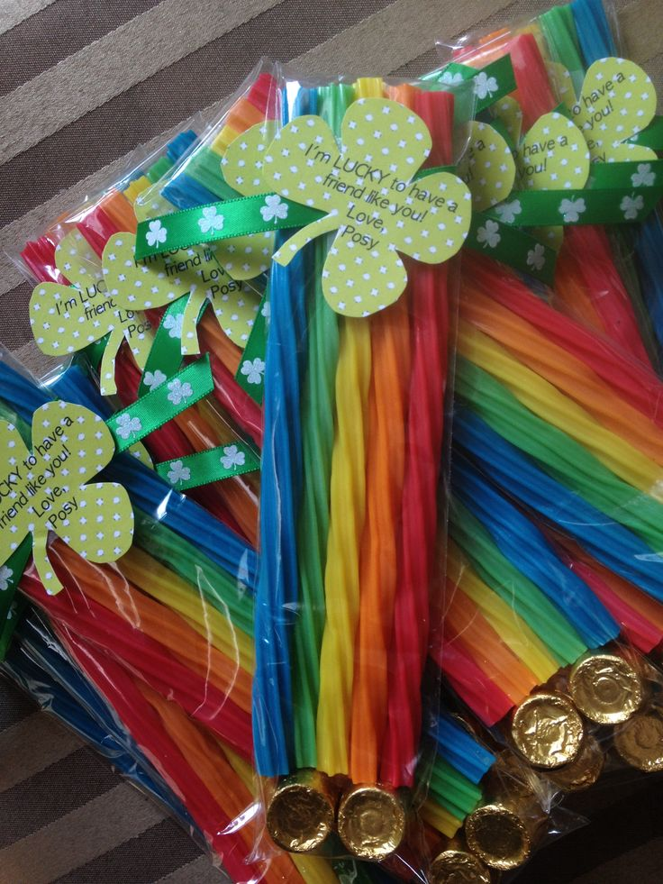 Saint Patrick's Day treat for the class!  Used pretzel bags with rainbow Twizzlers and Rolos!