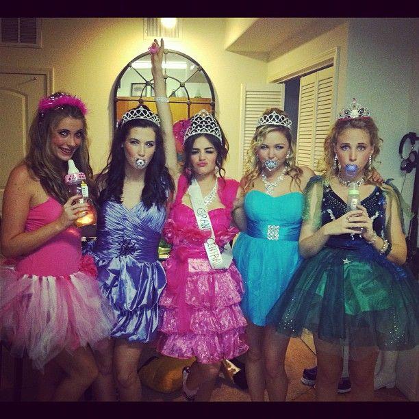 HILARIOUS! Toddlers and tiaras Halloween! Haha @Alyssa Naylor - ridiculous halloween costume ideas