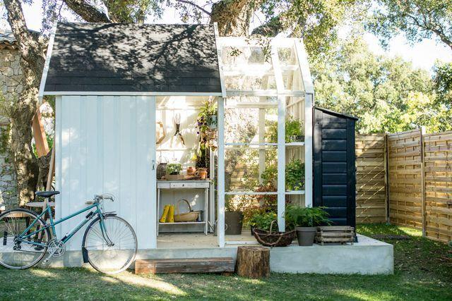 17 meilleures id es propos de abris de jardin sur pinterest abris de jardin l 39 organisation. Black Bedroom Furniture Sets. Home Design Ideas
