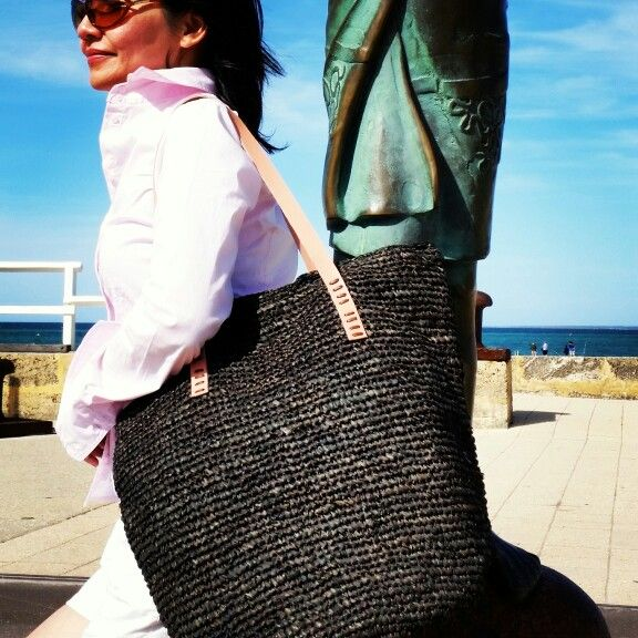 Beautiful handmade agel tote bag. Agel is fibre of sort palm tree which grows in Indonesia. The characteristics of agel: very light but strong#madewithlove