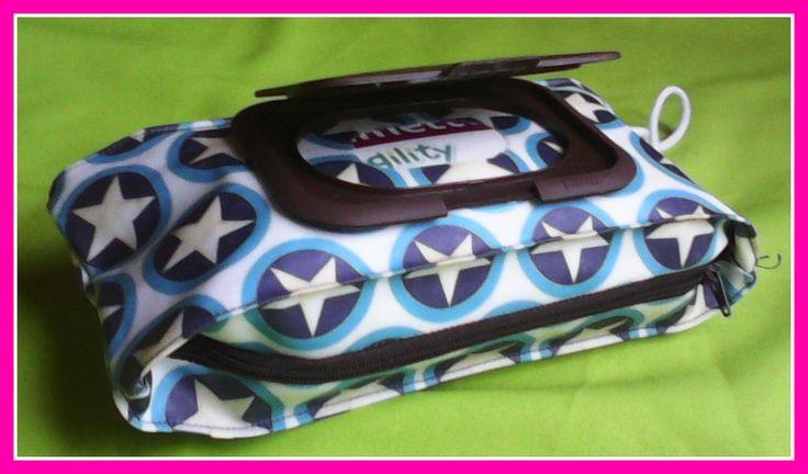 étui  à lingettes pochettes à lingettes range paquets de lingettes http://www.alittlemarket.com/puericulture/fr_pochettes_a_lingettes_etuis_a_lingetetes_-13290709.html #étuis à lingettes #trousses à lingettes