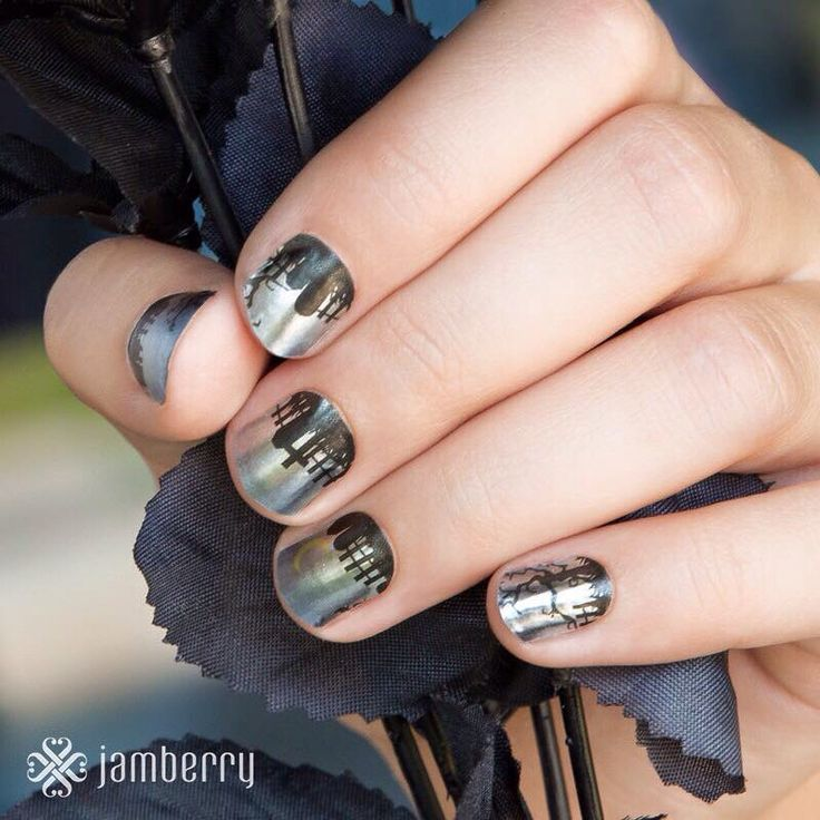 A satin finish makes this subtle Mixed Mani a chilling scene to behold.      #EerieNightsJN www.nettiek.jamberry.com/categories/holiday