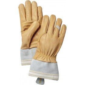 Smidig getskinnshandske för olika utomhusaktiviteter. Ofodrad men lätt stoppad mot handflatan. En styv lite längre manschett gör handsken lätt att ta av och på. Resår i handleden.
