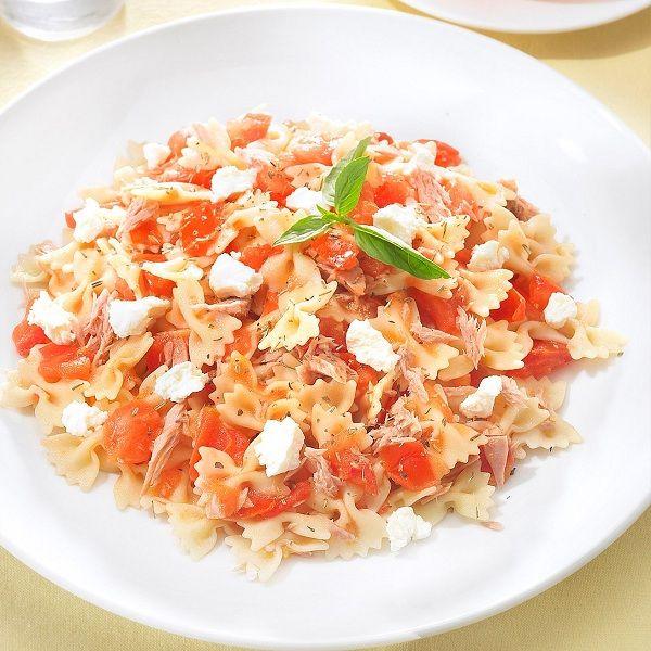 Met deze #lunch kan je er weer helemaal tegenaan: Farfalle met tonijn en tomaat #PowerStart #WeightWatchers #WWrecept