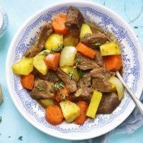 Een heerlijk stoofpot van rundvlees/aardappelen/sperziebonen en rijst. Ik kom oorspronkelijk uit Zuid-Afrika en daar word een soortgelijk gerecht als...