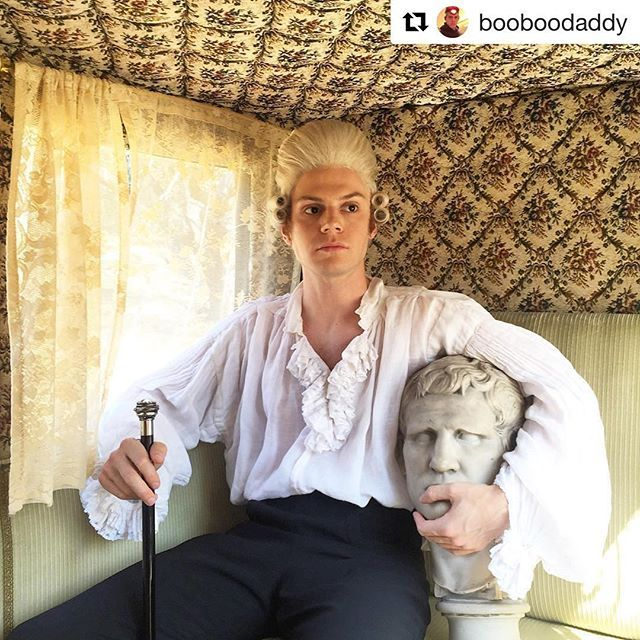 Evan Peters // American Horror Story Roanoke // Who's wigging out over Edward Mott? #AHSRoanoke #Regram @booboodaddy ... Thanks to Murphy, Falchuk, and all 2.1 milli of you who made it possible for me to wear a powdered wig. Love you guys 🍣 📸 @johnnygray5