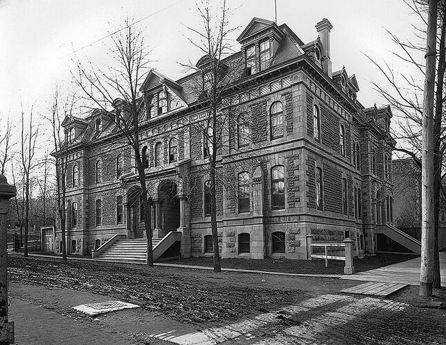 Wesleyan Theological College, University Street, Montreal, QC, about 1900