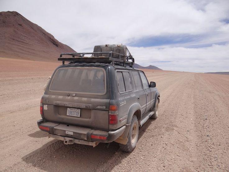 Driving thorugh the Bolivian altiplano... Read more: http://www.imperatortravel.ro/2016/03/bolivia-patru-zile-prin-pustietatile-din-altiplano-ep-1-prima-luare-de-contact.html