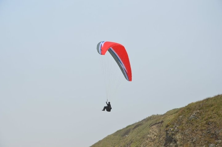 glider in action! (Cornwall)