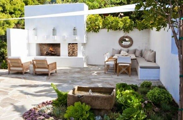 Stylish patio by Molly Wood Garden Design