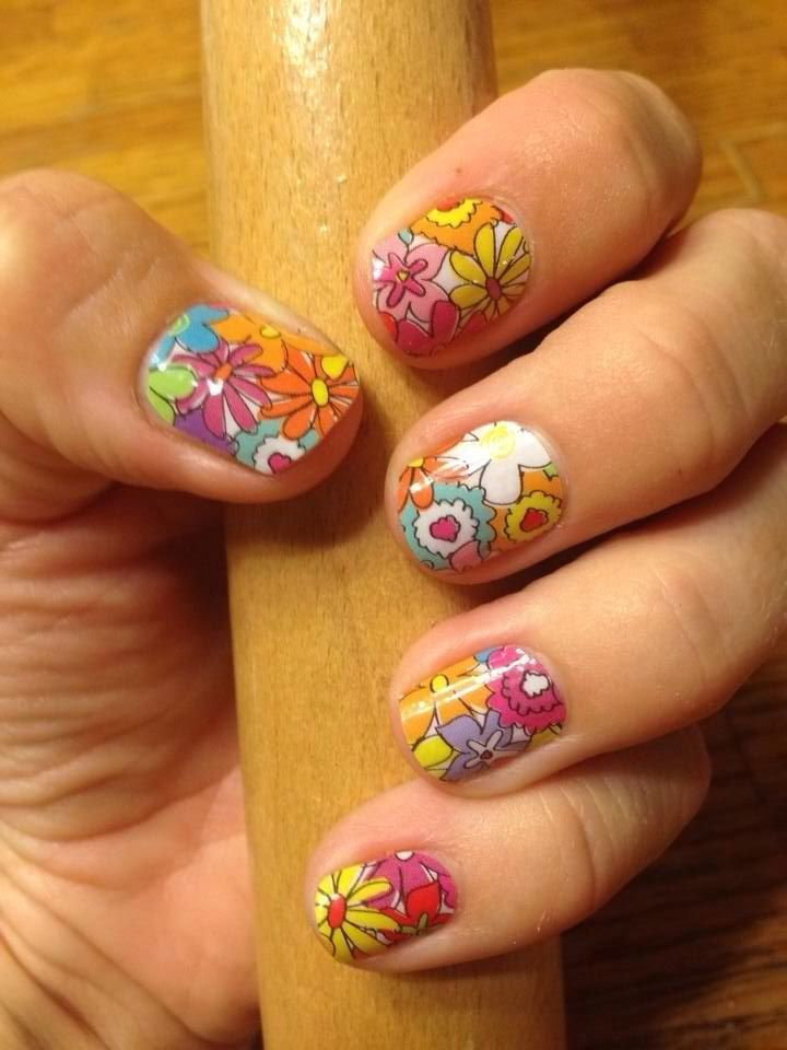 Daisy Doodle- http://leahmalec.jamberrynails.net